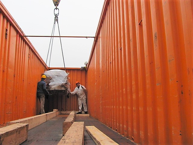 garment shipping container