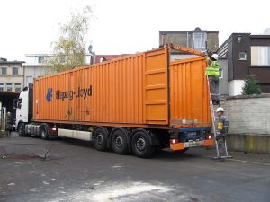 loading shipping container